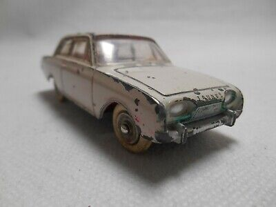 Dinky Toys - 559 - Ford Taunus