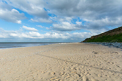 UK Last minute couples holiday let self catering Norfolk Broads Great Yarmouth