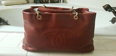af6a1a3fb171 AUTHENTIC CHANEL TOTE leather Handbag red used - $600.00 | PicClick