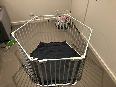 4Baby Noma Playpen Room Divider with Mat and Wall Fix - White