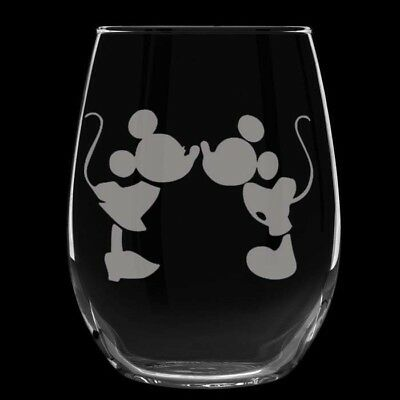 Mickey Mouse & Minnie Mouse etched stemless wine glasses, set of 2! 20 oz