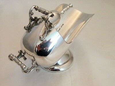 A Vintage Silver Plated Sugar Scuttle / Sugar Bowl with Scoop