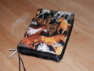 New World Translation 2013 Zipped Fabric Bible Cover - Horses