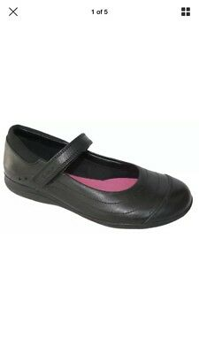 NEW Clarks DAISY SPARK BLACK PATENT Girls Leather School Shoes 13-4 FGH BOXED