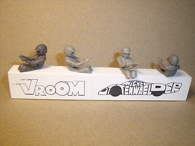 4  Figurines  Set 38 A  Pilotes  Annees 60  Assis  Vroom  Kit 1/43  No Spark