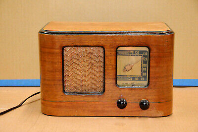 General Electric HP-561 Tube Valve Radio 1930's Art Deco
