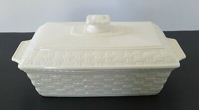 BELLEEK POTTERY EVERYDAY COVERED CASSEROLE DISH 2 Quart Rectangle W/Lid Woven