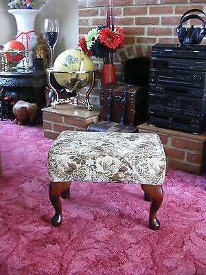 Lovely Wooden Vintage Antique Bedroom Footstool Foot Stool