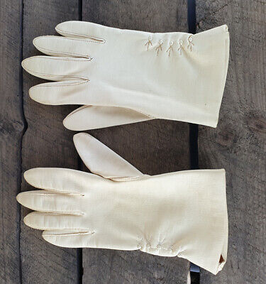 Vintage Pair of Dent Fownes Ladies PVC Gloves Cream - Size: 7