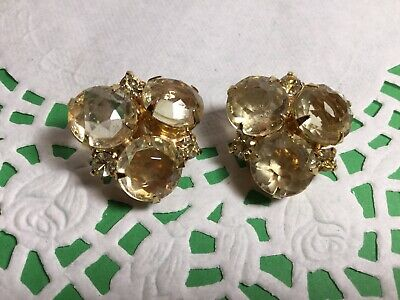 Pair Of Stunning Runway Champagne Yellow Clip On Earrings Retro Vintage Nice