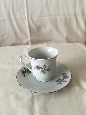 Vintage Made in China tea cup and saucer, Gold trim with pink roses
