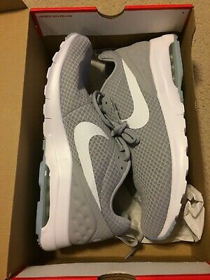 the latest 55678 e6e5d New NIKE AIR MAX MOTION LW RUNNING SHOES WOLF GREY 833260-011 MEN S SIZE  10.5