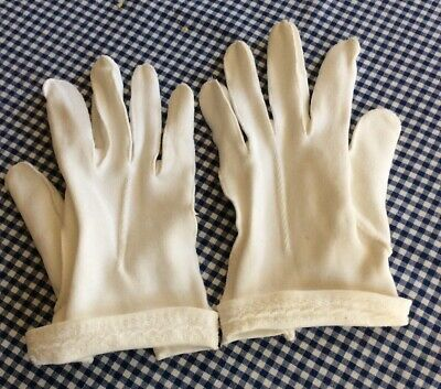 Pr. Vintage All Cotton White Gloves ( Hong Kong )- Size 6 1/2. 1950s