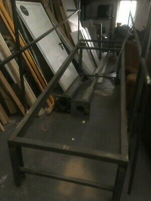 Metal Ramp warehouse - vehicle with lifting arm required
