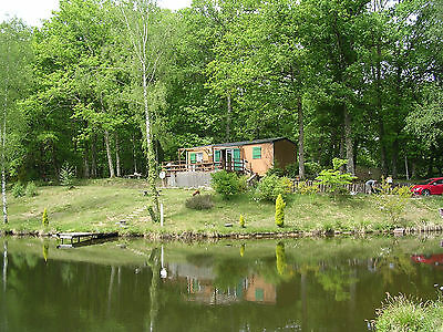 Lakeside Lodge Dordogne France - Family and Fishing holidays.11-18 April