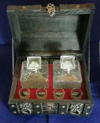 Beautiful Vintage Decanter Set in a Wooden box.