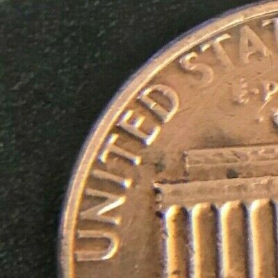 1982 Lincoln Cent - Doubled Die - Small Date copper - rare- must see!!
