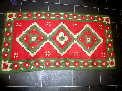 """Great Colours Old Readi-Cut Style Rug-1950'S-Nice Condition-27""""Wx51"""""""