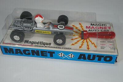 """Magneto Germany 8032 """" Magnetic Racing Car """" alter Ladenfund - Scale 1:25 silber"""