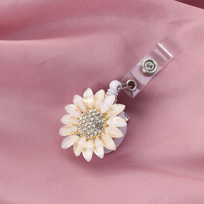 1PC Flower Telescopic Buckle Retractable Metal Easy Pulling Card Holder Keychain