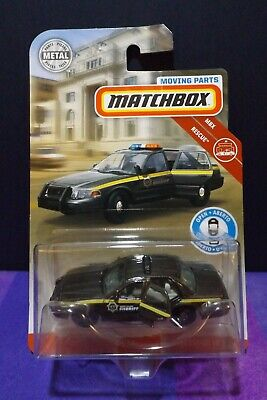 2019 Matchbox MOVING PARTS '06 FORD CROWN VICTORIA. (BROWN)  MBX RESCUE. C CASE