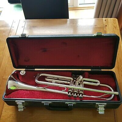 Trumpet yamaha t100s With Mouthpiece Denis wick 3