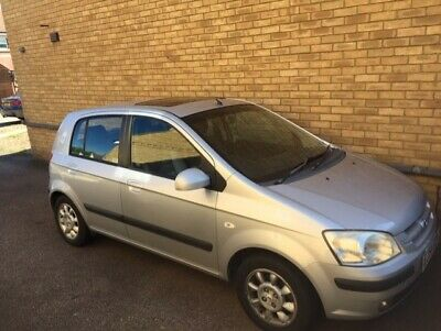 2004 Hyundai Getz 1.6 CDX 4 Door Manual finished In Silver with every option.