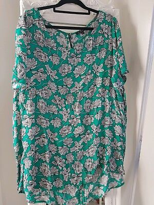 BELLE CURVE Womens Plus Size Top Green with White & Black Floral Size 16 VGC