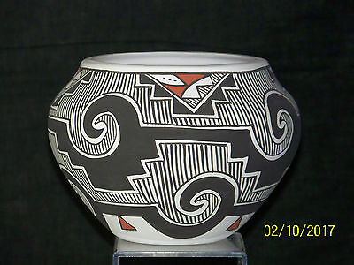 Leland R.Vallo Listed Native American Artist Acoma New Mexico Polychrome Bowl