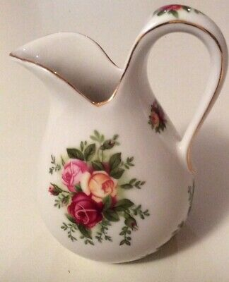 royal albert old country roses- Milk/ Cream Jug - 12 Cm High - Holds-3/4cup