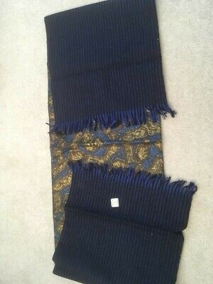 Driving scarf and gloves set - Reversible scarf in excellent condition.