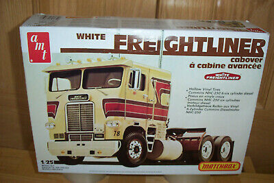 """Freightliner Co """"Matchbox"""" Amt #Pk6118 1/25 Scale."""