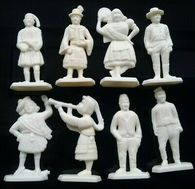 8 SANITARIUM National Dress Costumes of the World Plastic Cereal Toys