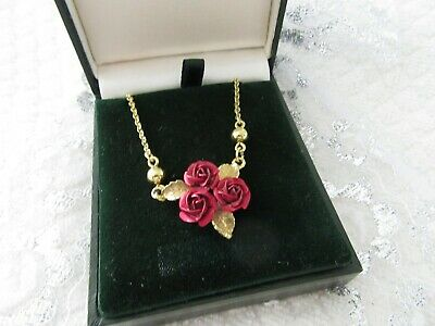 Stunning Vintage   Pretty  Red Tin Roses  Pendant  And Chain