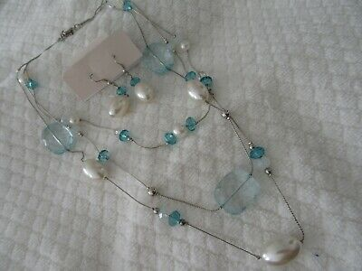 Stunning  Vintage  Very Pretty Triple Strand Necklace And Earrings Set