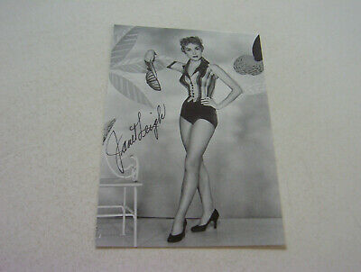 Busty Actress Janet Leigh Authentic Autographed Beautiful Early In Career Photo