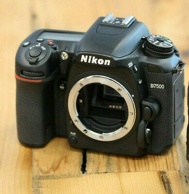 Nuovo Nikon D7500 Digital SLR Camera (Body Only)