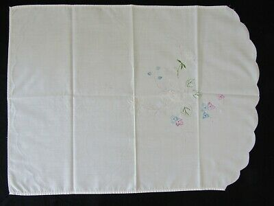 Vintage Cream COTTON TRAY CLOTH (or Antimacassar) 22½ x 16½ inches, embroidery