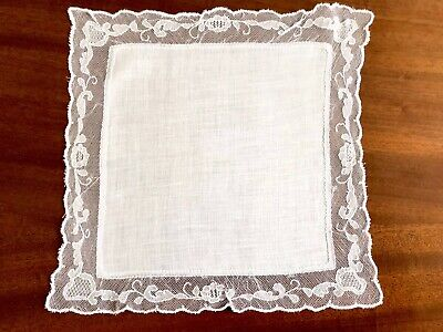 Vintage White Lawn & Tulle Lace Handkerchief 9.5X9,5  Inches