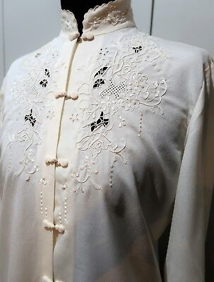 *Immaculate Vintage 1970s Size 34 Hand Embroidered Cream Blouse- 46cm Bust