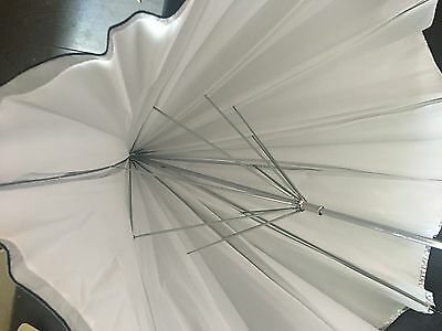 "Calumet White Diffuser/ Silver Removable Cover 40"" Brolly"