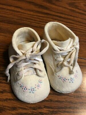 Vintage Original Wool Baby Shoes White With Embroidery Baby Deer Trimfoot Co Md Keepsakes & Baby Announcements Other Baby Keepsakes