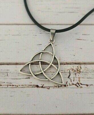 Celtic triquetra silver necklace wiccan witch pagan alternative newage spiritual