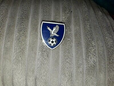 Pin badge Woodley Town fc english non league badges