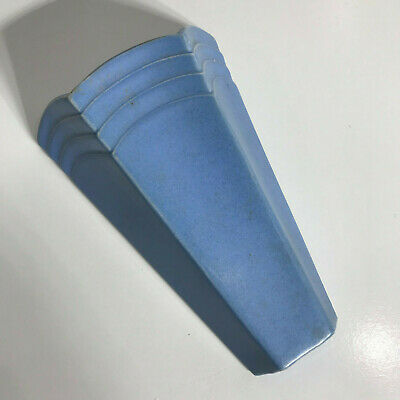 VINTAGE 1940s - AUSTRALIAN/ENGLISH POTTERY - ART DECO BLUE - WALL POCKET VASE