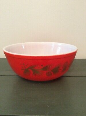 Vintage Pyrex 4 Quart Mixing Bowl # 404 Red with Gold Pine Cones & Holly