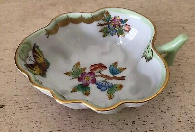 Vintage HEREND Queen Victoria Leaf Trinket Dish  680|RBO Hand Painted Butterfly