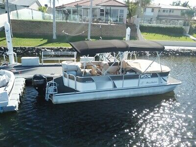Misty Harbour 22ft pontoon boat 12 persons
