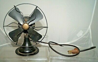 Hard To Find Antique 1920s - 30s Arctic Cast Iron MINI Table Top Electric Fan