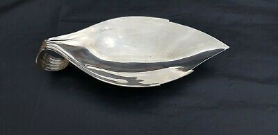 A Very Elegant Vintage Silver Plated Fish Slice.made In England.